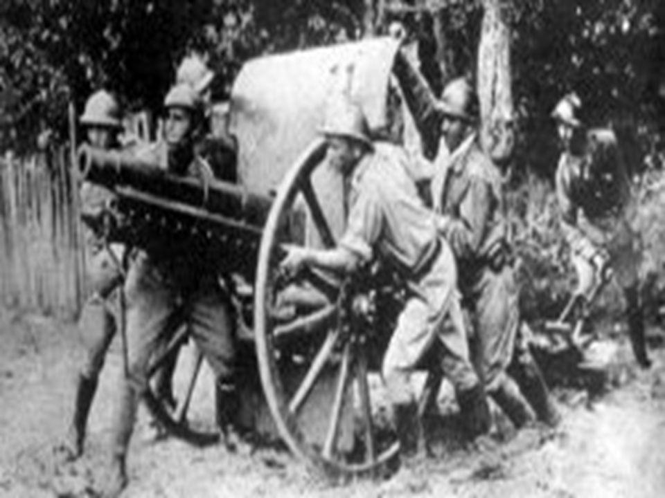 E assim, o Brasil entrou na guerra contra o Eixo (Alemanha, Itália e Japão), enviando 25 mil homens para os campos da Itália – os pracinhas da FEB – dos quais 454 tombaram, sendo sepultados no cemitério de Pistóia;