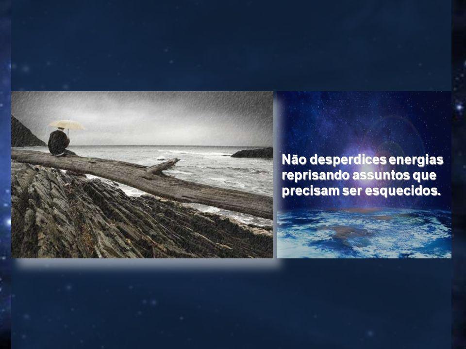 Quem se lamenta em excesso, seja qual for a natureza da angústia que exteriorize em palavras, não tem razão.