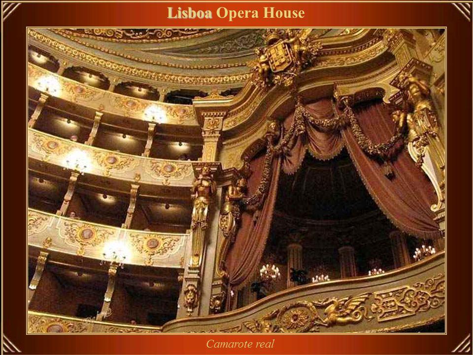 O Teatro Nacional de São Carlos foi erguido em 1792, e sua inauguração ocorreu a 30 de junho de 1793 Lisboa Lisboa Opera House