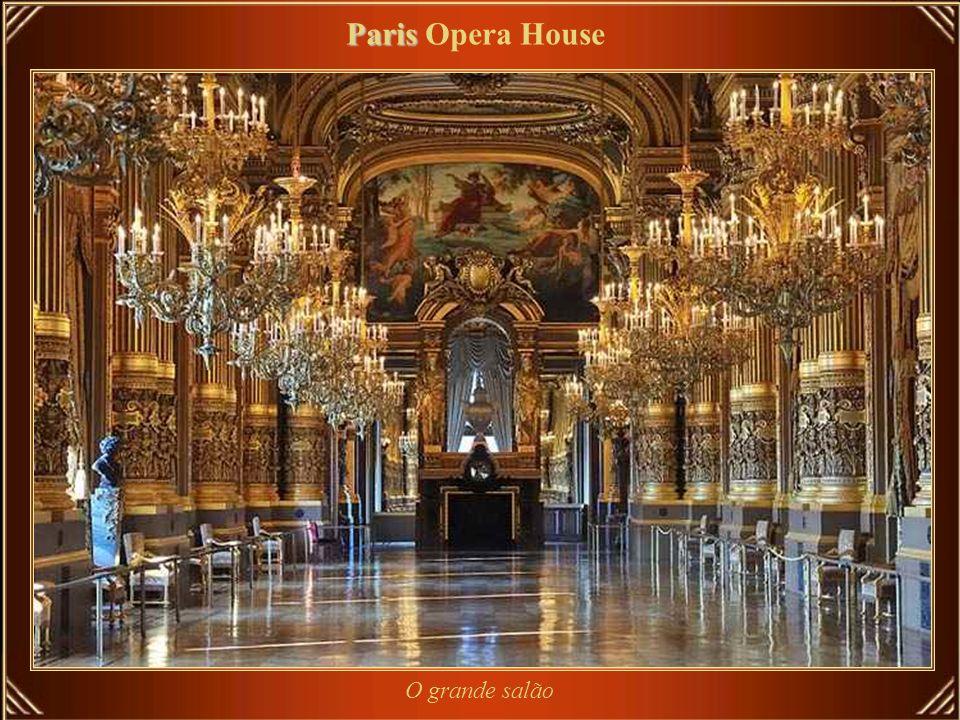 Paris Paris Opera House A Opéra de Paris ou Opéra Garnier, casa com 2.200 lugares e um marco de Paris projetado por Charles Garnier em estilo neo-barr