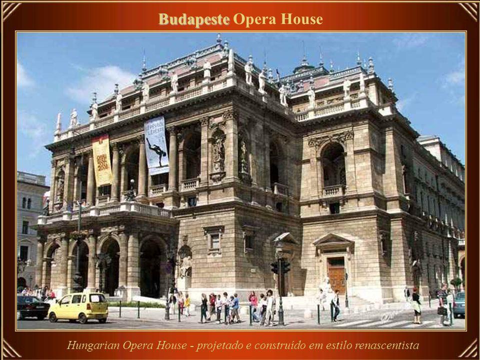 Bruxelas Bruxelas Opera House Koninklijke Muntschouwburg (de Munt – em Holandês), ou Théâtre Royal de la Monnaie (la Monnaie – em Francês) – são denom