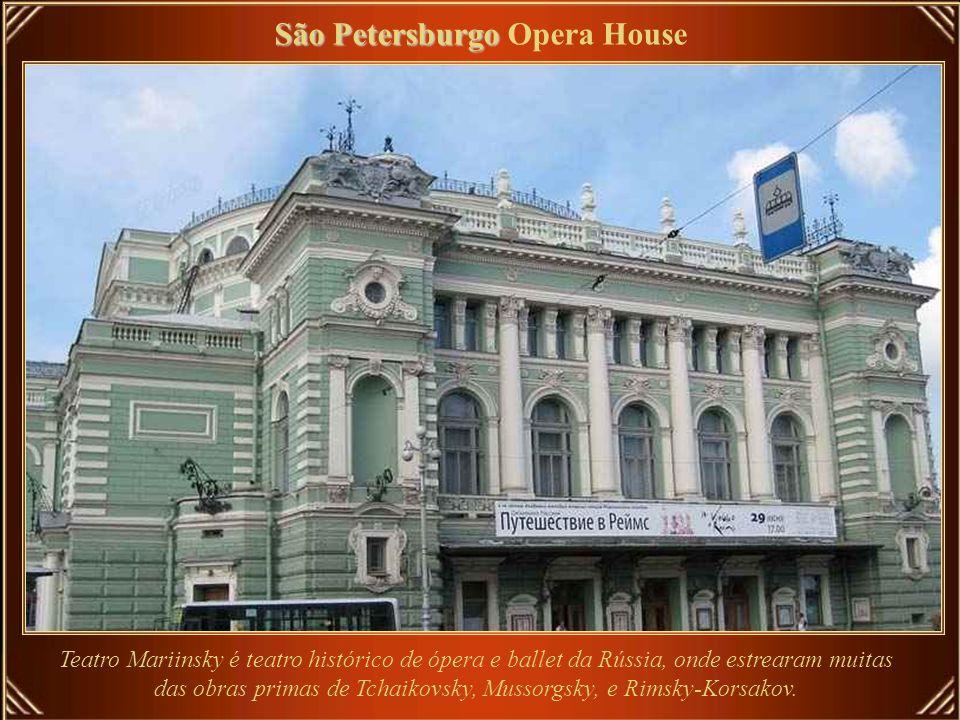 Sydney Sydney Opera House A Casa da Ópera, uma das mais marcantes construções do Século 20, foi adotada como Herança Mundial pela UNESCO em 28 de junh