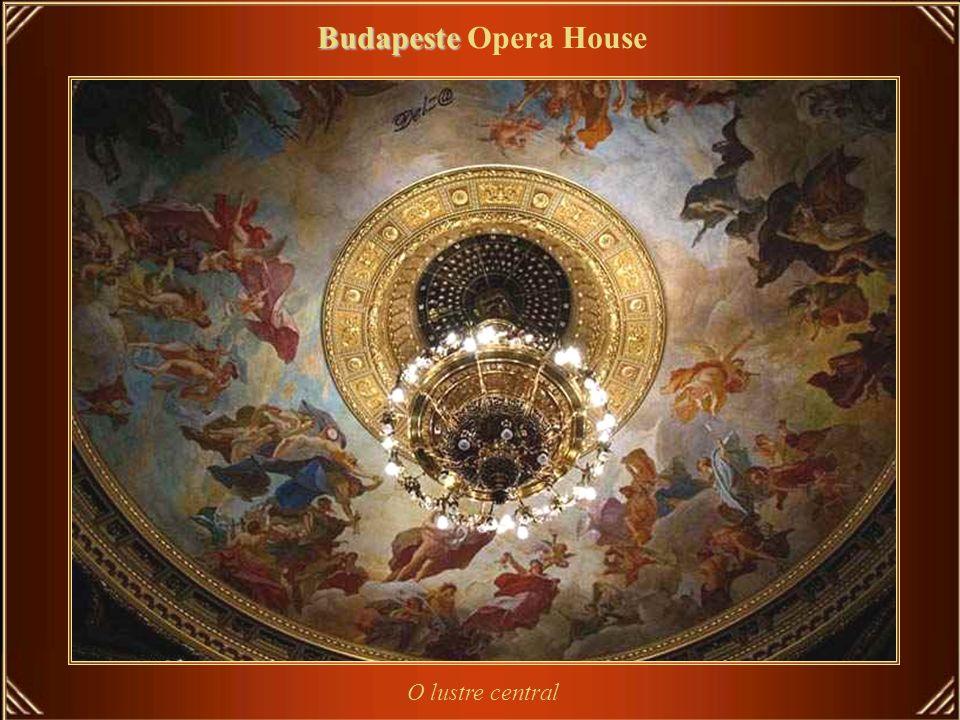 Budapeste Budapeste Opera House Ferenc Erkel regeu seu concerto inaugural em 1884