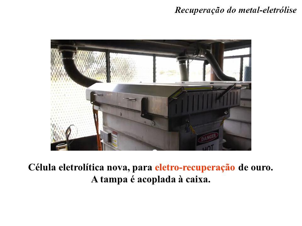 Célula eletrolítica nova, para eletro-recuperação de ouro. A tampa é acoplada à caixa. Recuperação do metal-eletrólise