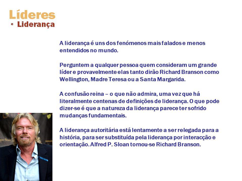 «As pessoas perguntam qual é a diferença entre um líder e um chefe [...] o líder trabalha a descoberto, o chefe trabalha encapotado.