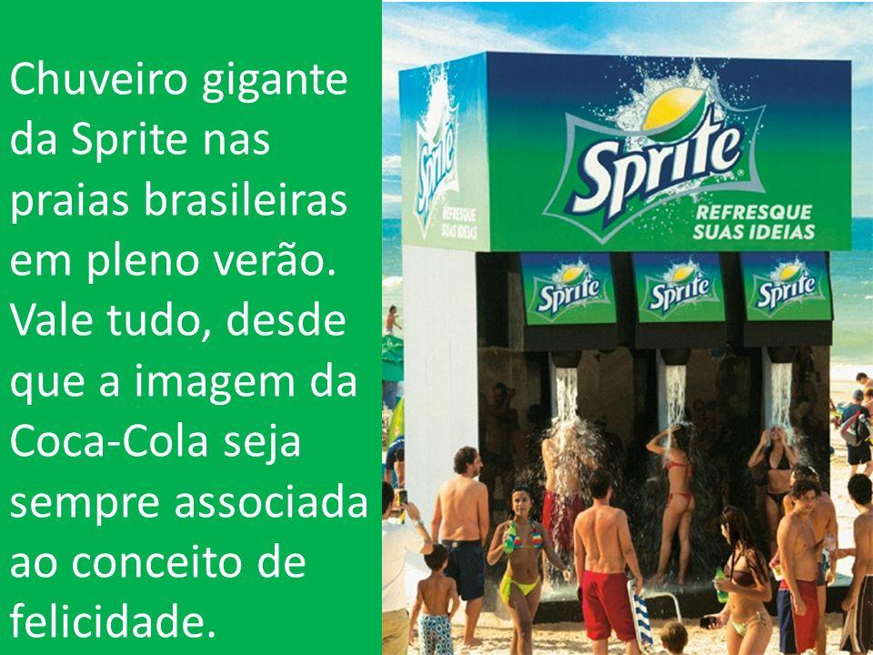 Chuveiro gigante da Sprite nas praias brasileiras em pleno verão.
