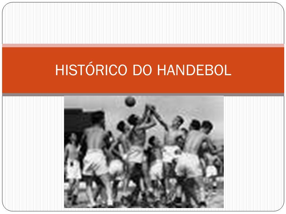 O handebol é um esporte coletivo que foi criado pelo professor alemão Karl Schelenz, no ano de 1919.