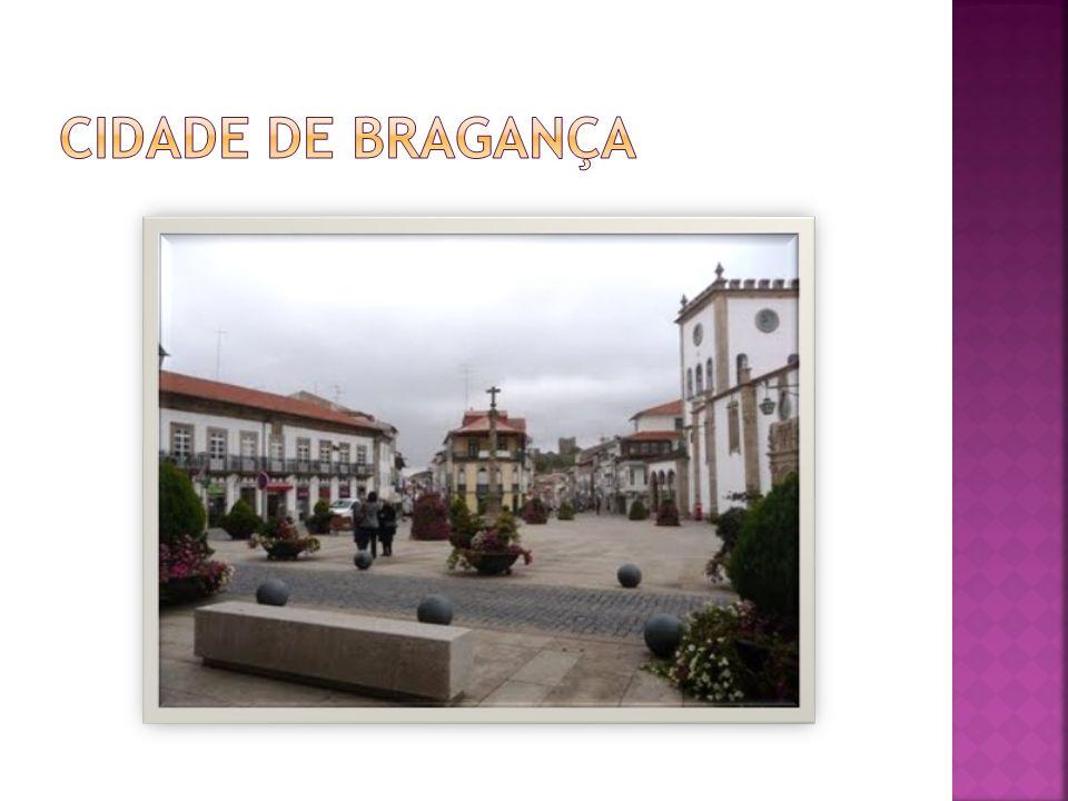 Bragança é uma cidade portuguesa, capital do Distrito de Bragança, Região Norte e sub- região do Alto Trás-os-Montes, com 20 309 na cidade e 25 mil habitantes, no perímetro urbano.
