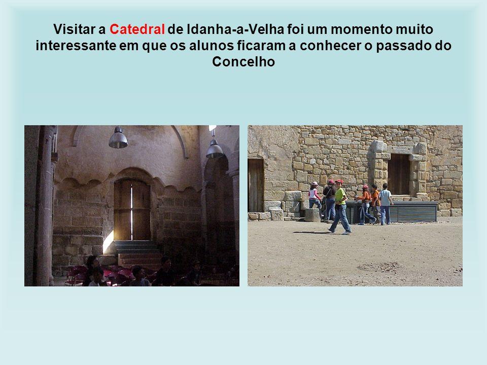Visitar a Catedral de Idanha-a-Velha foi um momento muito interessante em que os alunos ficaram a conhecer o passado do Concelho