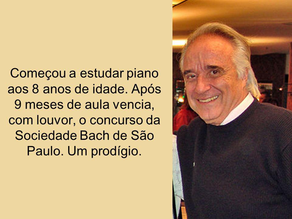 Também nos servem de exemplos para nossas próprias vidas. Um desses é o pianista João Carlos Martins.