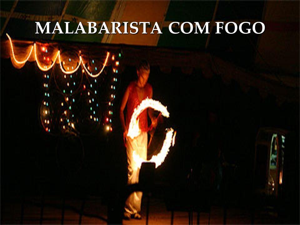 MALABARISTA COM FOGO