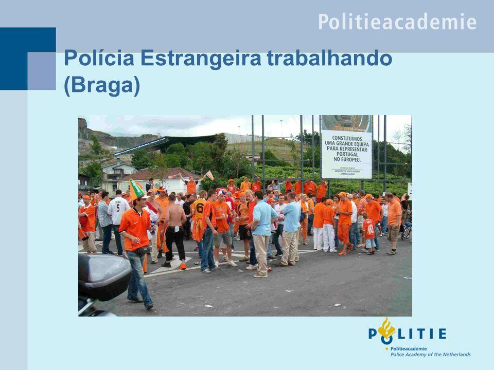 Polícia Estrangeira trabalhando (Braga)