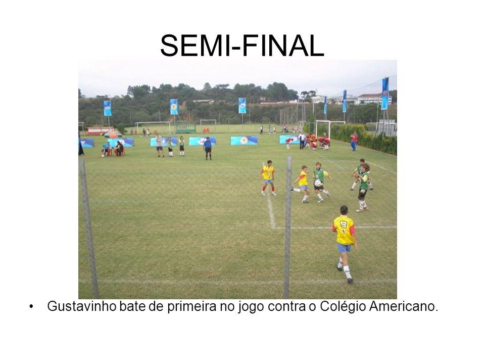 SEMI-FINAL Gustavinho bate de primeira no jogo contra o Colégio Americano.