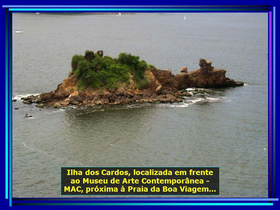 Pedra do Índio, com 7m de altura, localiza-se na Praia de Icaraí. No lado esquerdo, pode-se ver, esculpido pela natureza, o perfil de um índio…