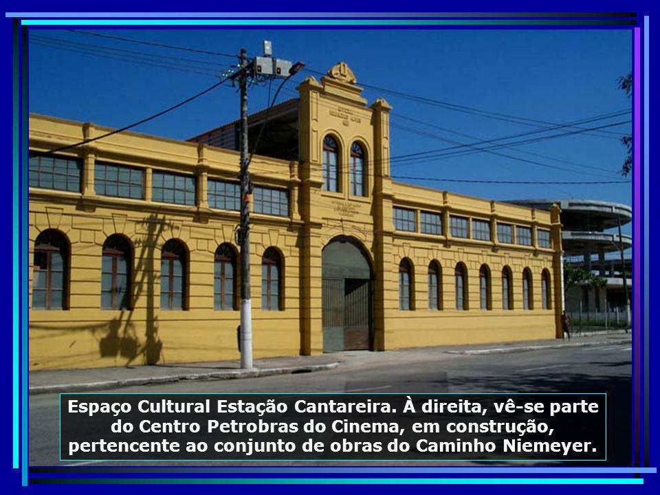 Museu Antonio Parreiras, fundado em 1941, onde estão expostas, entre outras obras, 168 pinturas e 147 desenhos do patrono, correspondentes ao período