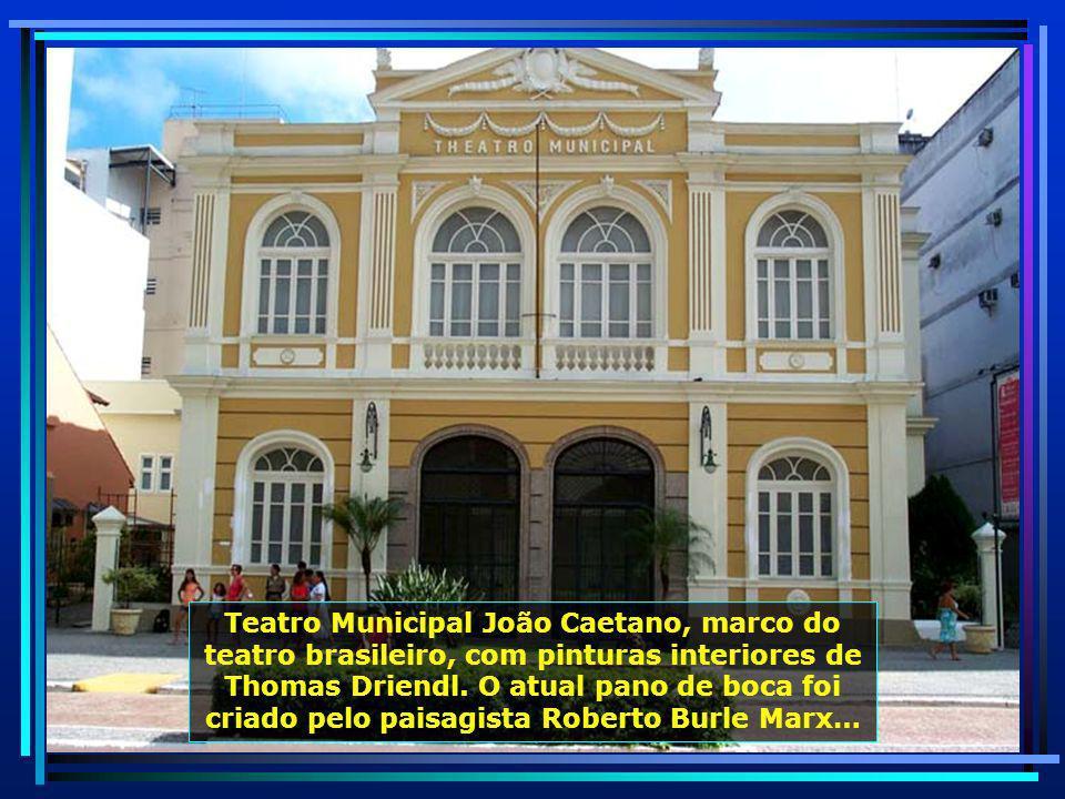 Espaço Cultural Estação Cantareira. À direita, vê-se parte do Centro Petrobras do Cinema, em construção, pertencente ao conjunto de obras do Caminho N