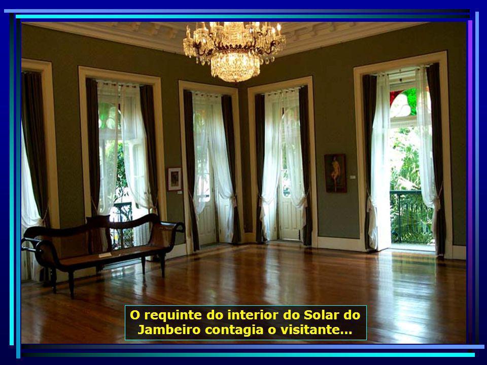 Solar do Jambeiro, construído em 1872, de arquitetura portuguesa, com fachadas revestidas de azulejos e beirais com telhões de louça, hoje utilizado como espaço cultural…