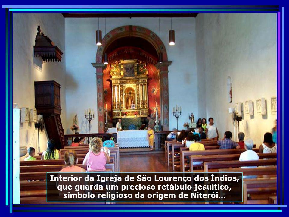 Interior da Igreja de São Lourenço dos Índios, que guarda um precioso retábulo jesuítico, símbolo religioso da origem de Niterói…