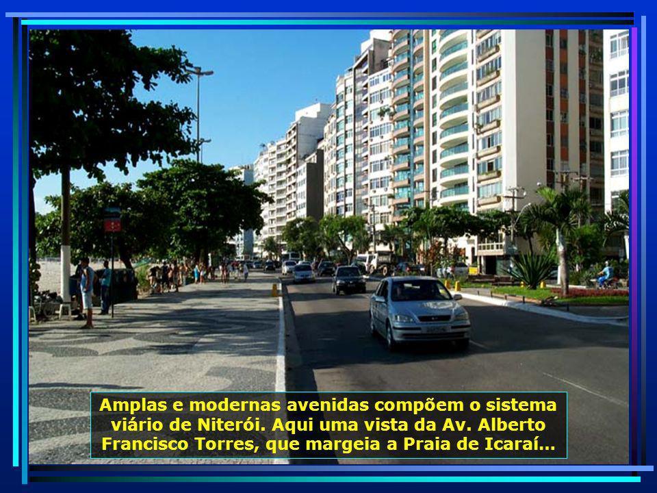 Amplas e modernas avenidas compõem o sistema viário de Niterói.
