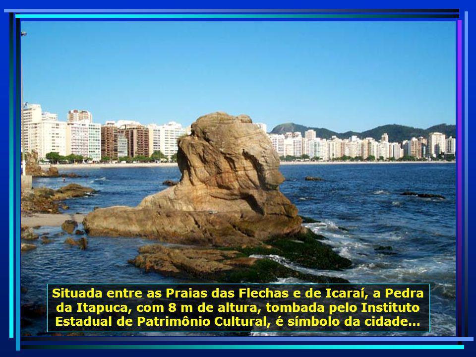 Situada na Região Oceânica de Niterói, a Praia de Itacoatiara, point da juventude, presta-se à prática do surf...