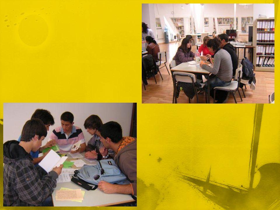 Sessão de esclarecimento dinamizada pelo professor António Almendra para professores, funcionários e encarregados de educação.