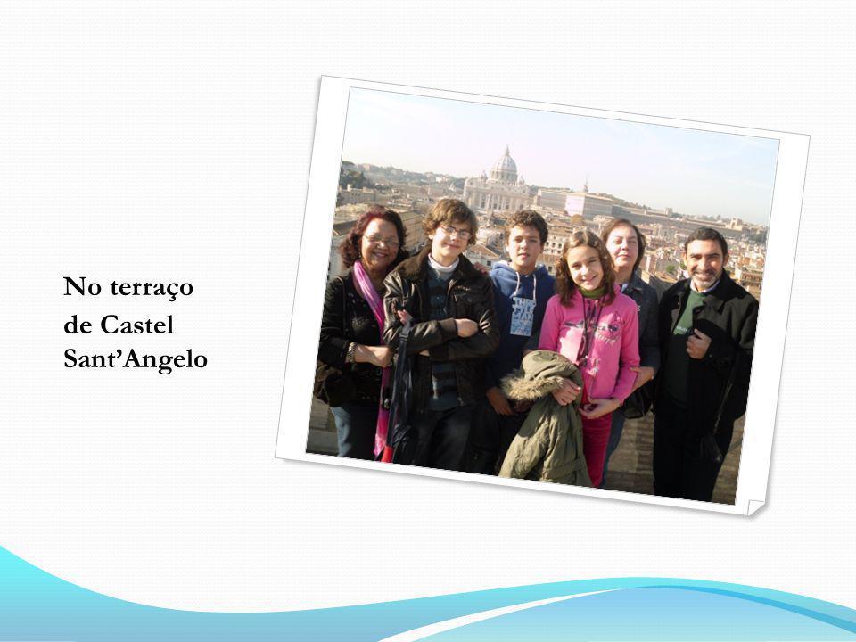 No terraço de Castel SantAngelo
