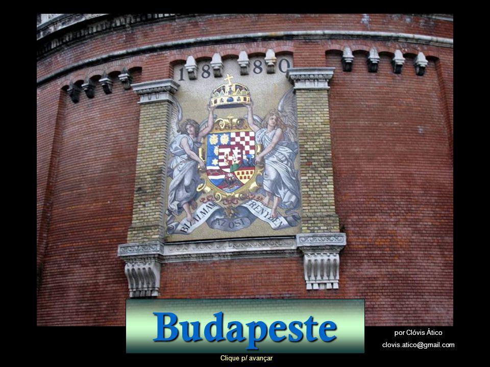 A altura da cúpula de 96 metros é uma alusão a 1896, ano em que a Hungria comemorou um milênio de sua criação.