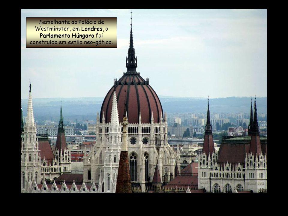 O Parlamento de Budapeste é o maior edifício da Hungria e o segundo maior parlamento na Europa.