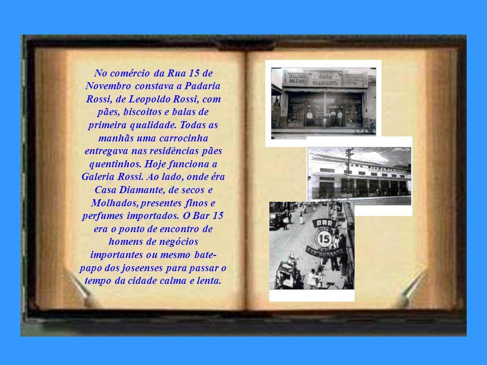 As escolas Grupo Escolar Olympio Catão, Escola Normal Livre e o Externato São José, assim como as residências de famílias tradicionais como Delias, Ri