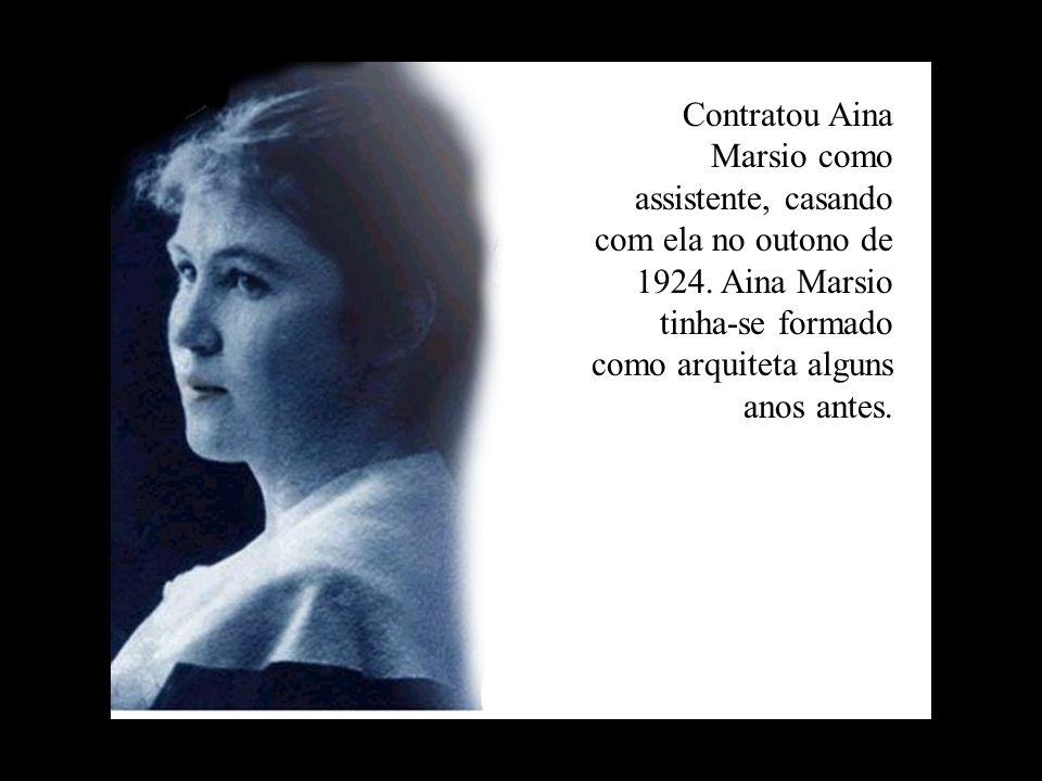 Contratou Aina Marsio como assistente, casando com ela no outono de 1924. Aina Marsio tinha-se formado como arquiteta alguns anos antes.