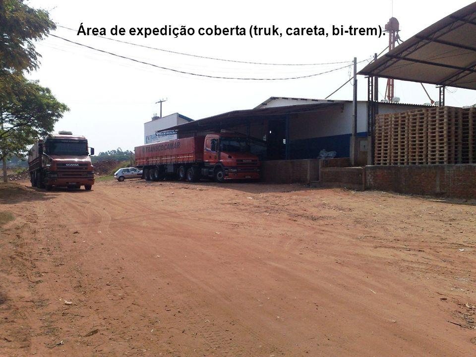Área de expedição coberta (truk, careta, bi-trem).