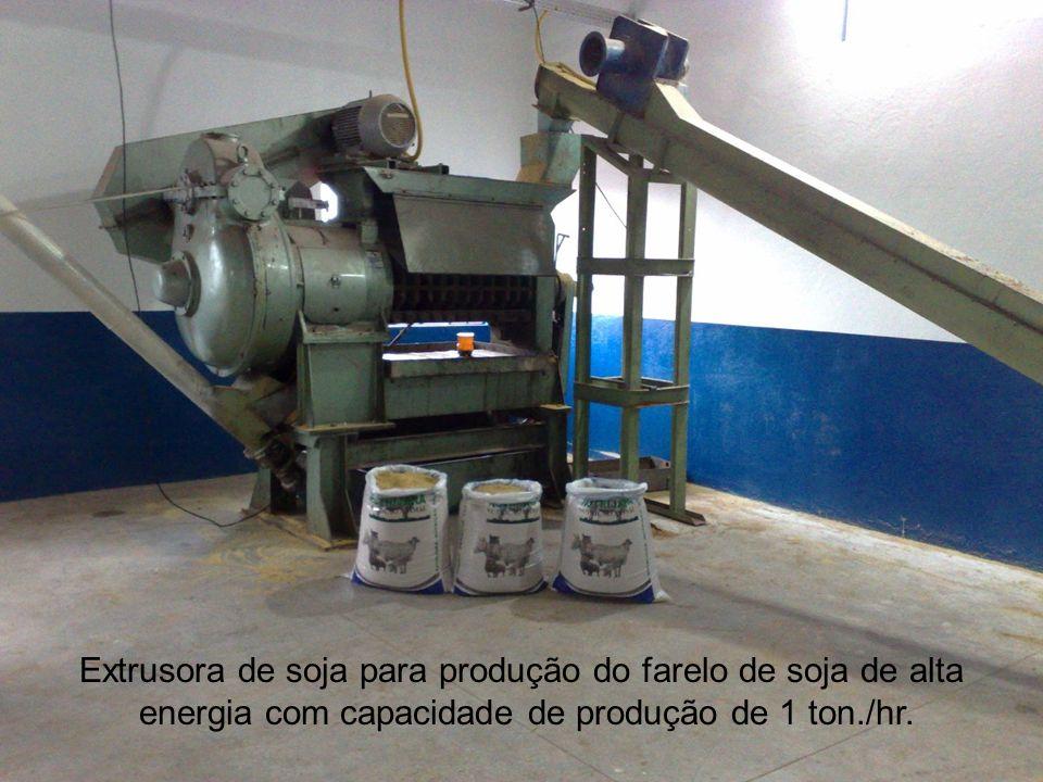 Extrusora de soja para produção do farelo de soja de alta energia com capacidade de produção de 1 ton./hr.