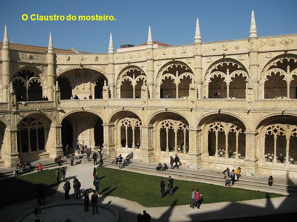 O Mosteiro dos Jerónimos e o Estadio do Restelo (Os Belenenses).