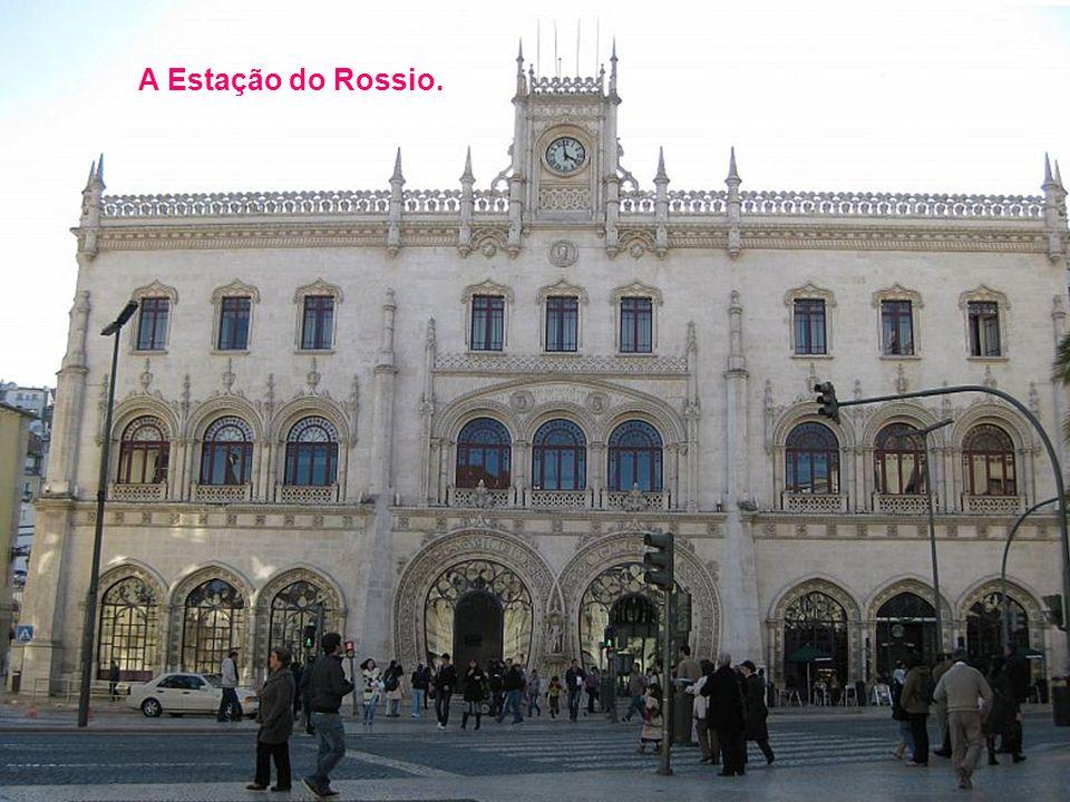 A Praça dos Restauradores.