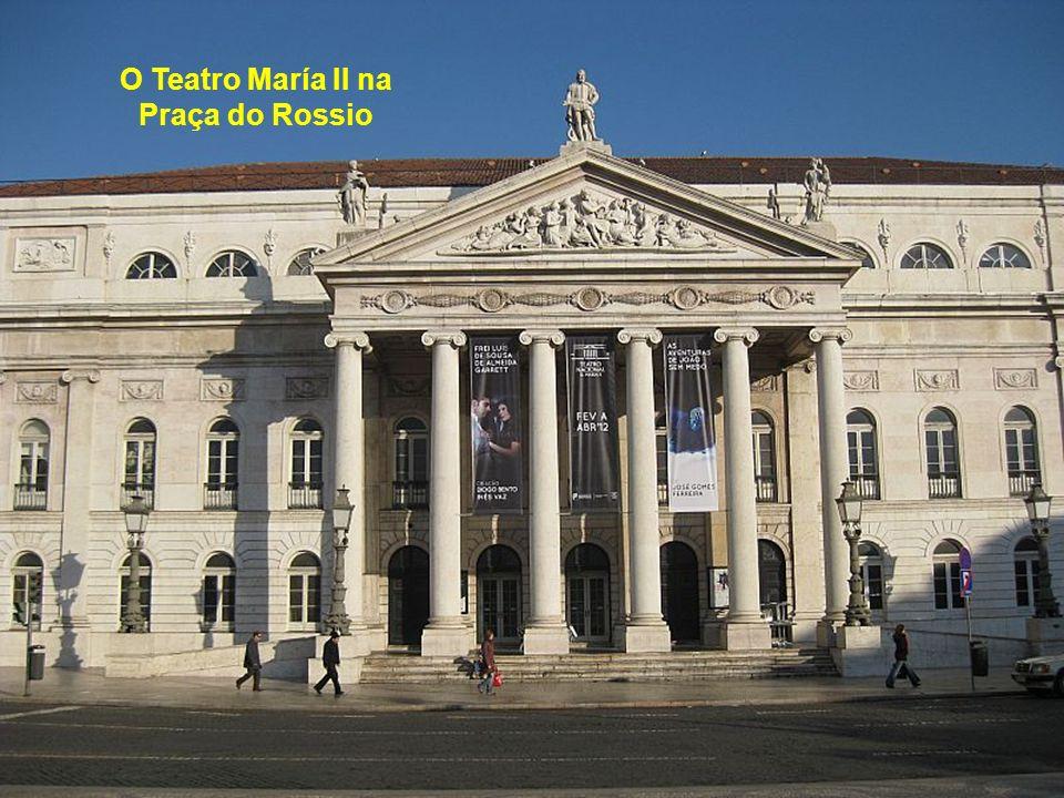 O Teatro María II na Praça do Rossio