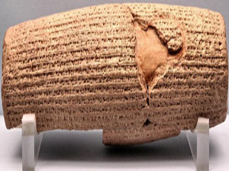 Lei Natural aos Direitos Humanos A concepção finalista, defendida por Platão e Aristóteles, subordinava o homem ao cosmos.