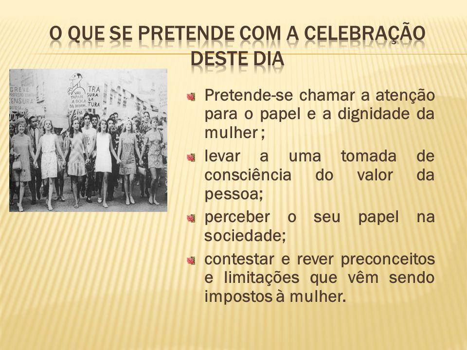 1822 - Primeira Constituição Liberal.