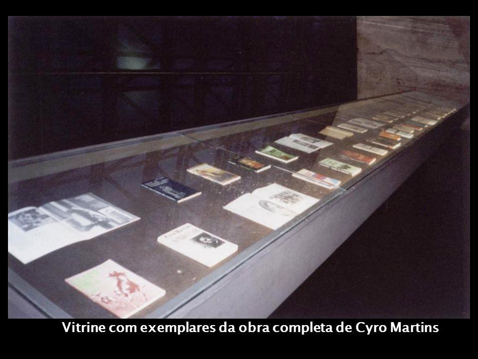 CYRO, O TRANSFIGURADOR DO ÓBVIO Ensaio visual livre por LIANA TIMM, criado para as comemorações de CYRO MARTINS 90 ANOS - 1998 - Exposição no Museu de Artes do Rio Grande do Sul Ado Malagoli