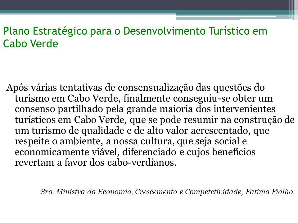 Desafios Futuros 1.Baixo nível de Competitividade 2.Elevada dependência nos mercados tradicionais 3.Impostos e incentivos 4.Crise Económica e Política Portuguesa