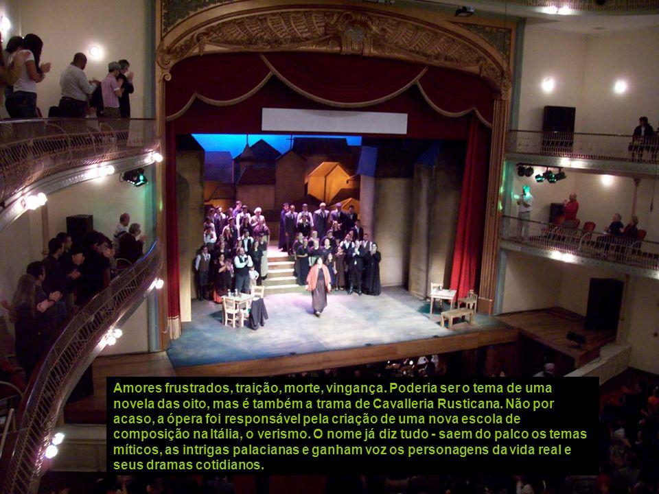 A interpretação ficou a cargo da Sinfônica Jovem de Guarulhos e do maestro Emiliano Patarra, que nos últimos anos têm participado com regularidade da