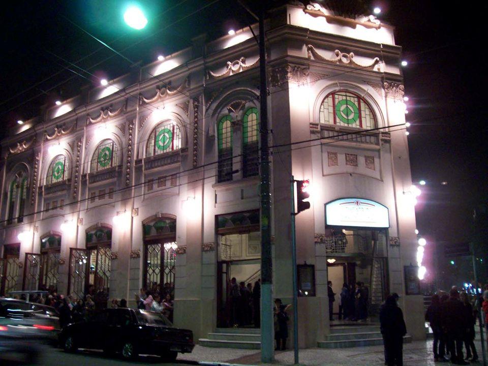 A partir de agora, todas as óperas encenadas no Theatro São Pedro contarão com o recurso da Audiodescrição. E outros projetos com acessibilidade estão