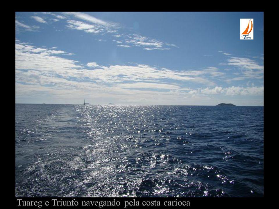 Tuareg e Triunfo navegando pela costa carioca