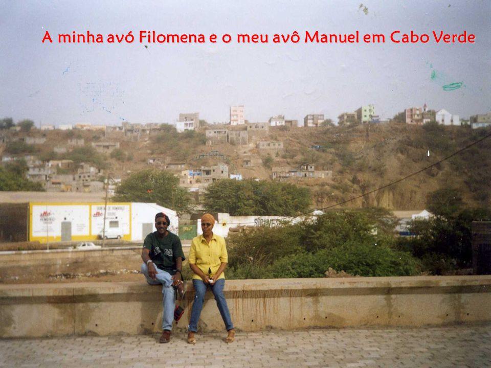 Língua: O crioulo é a língua falada em todo o arquipélago de Cabo verde, mas o Português é a língua oficial.