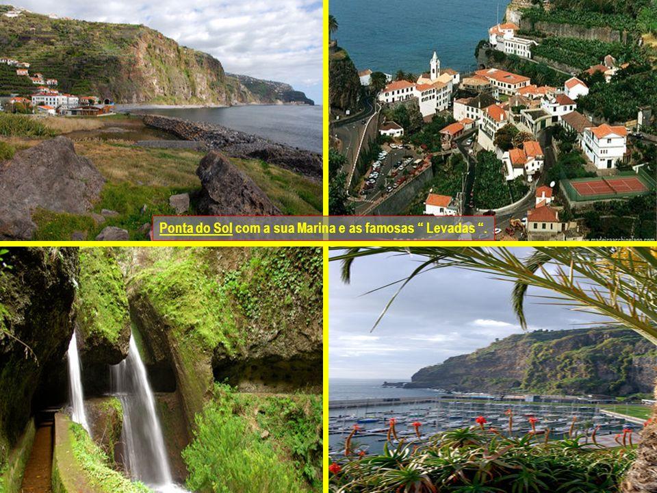 Ribeira Brava situada na costa sudoeste da ilha.