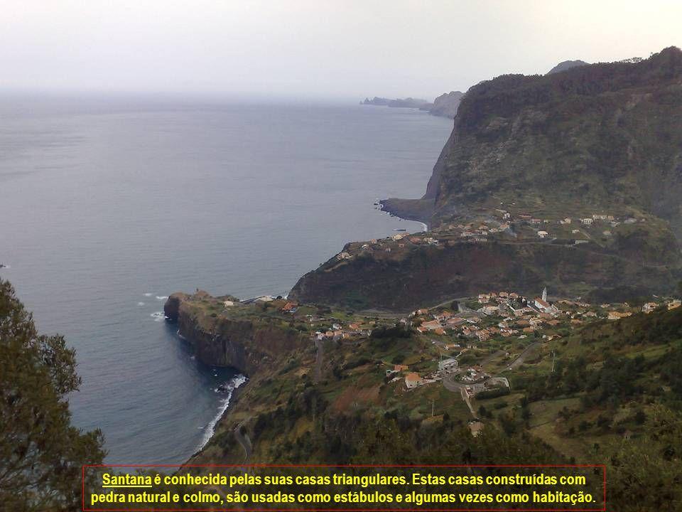A vila é muito isolada e muitos dos seus habitantes vivem do que a terra produz.