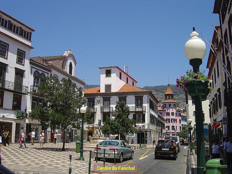A Famosa Capela dos Milagres em Machico.Machico (centro).