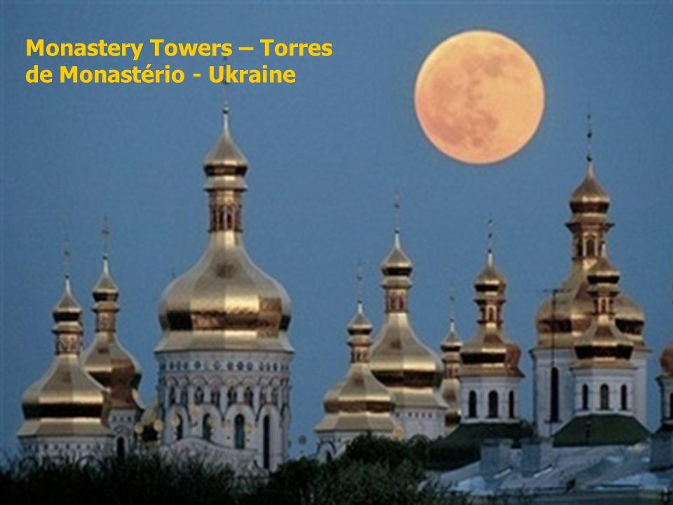 6 Monastery Towers – Torres de Monastério - Ukraine