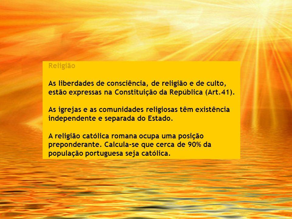Religião As liberdades de consciência, de religião e de culto, estão expressas na Constituição da República (Art.41). As igrejas e as comunidades reli