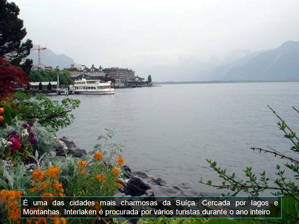 Interlaken é uma comuna da Suíça, no Cantão de Berna, com cerca de 5.300 habitantes.