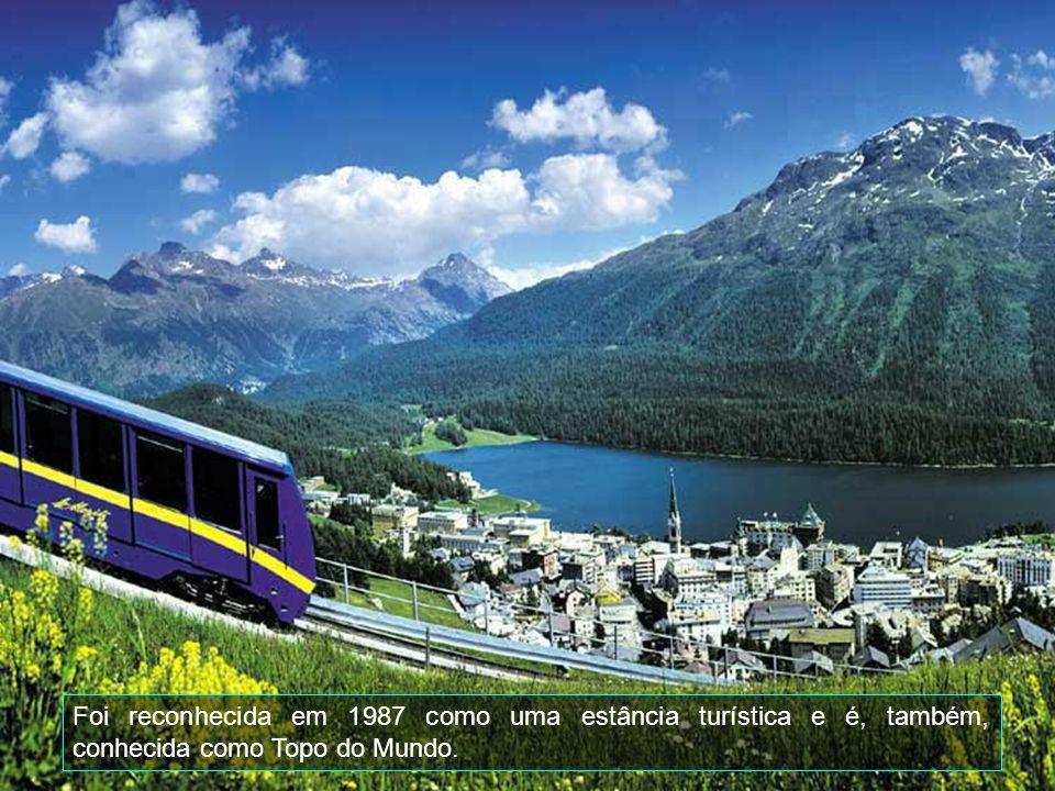 St.Moritz é considerada a mais antiga e uma das mais famosas estâncias de inverno em todo o mundo.